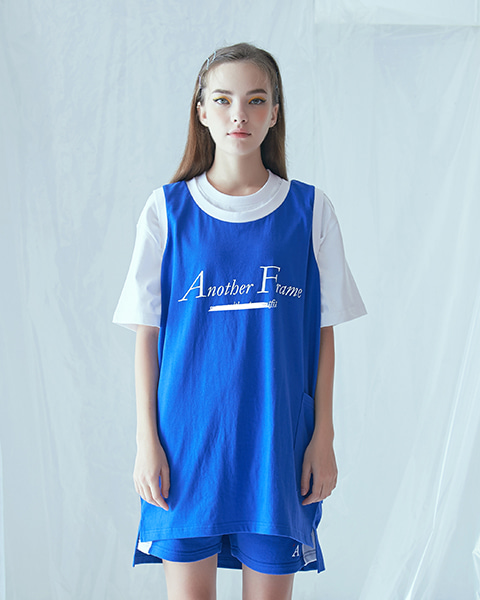 BASIC LOGO POCKET SLEEVELESS (BLUE)