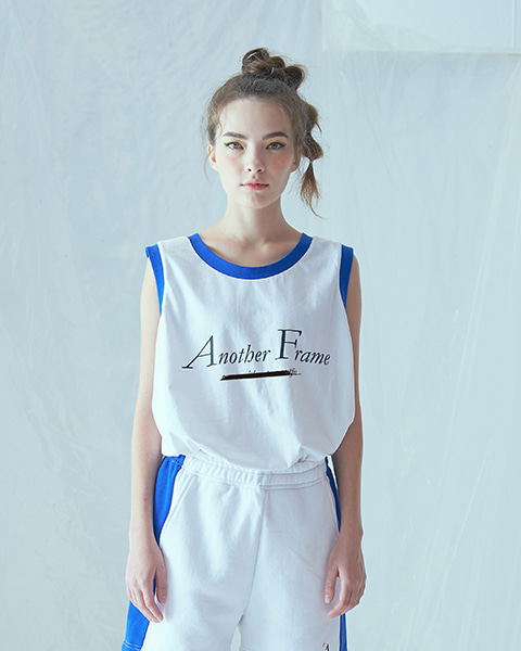 BASIC LOGO POCKET SLEEVELESS (WHITE)