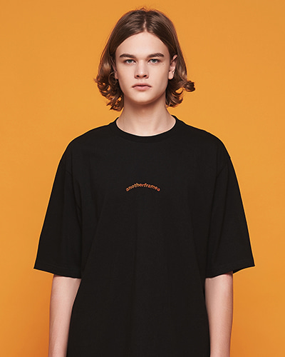 AFRAME ARCH T-SHIRT (BLACK)