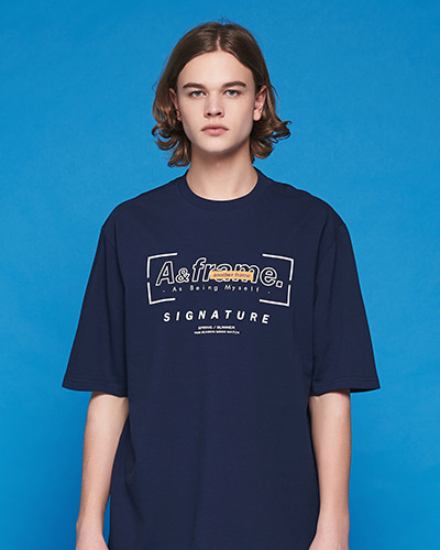 SIGNATURE LOGO T-SHIRT (NAVY)