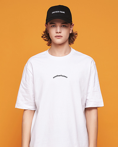 AFRAME ARCH T-SHIRT (WHITE)