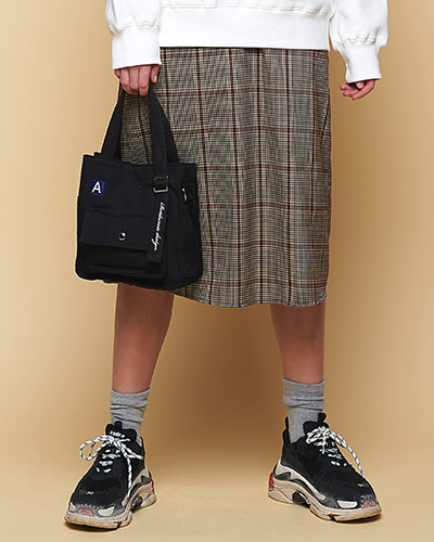 [ANOTHER FRAME X ROIDESROIS] MINI A LABEL CROSS BAG (BLACK)