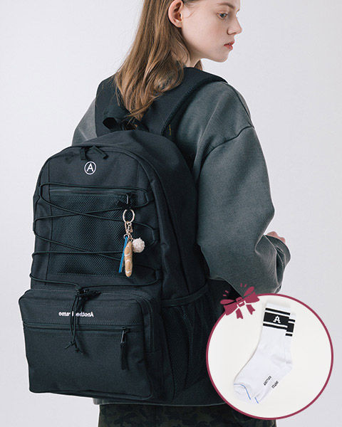 A ESSENTIAL BACKPACK  (BLACK)
