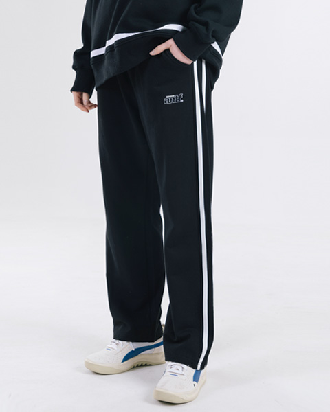 RELAX FIT TRACK PANTS (BLACK)