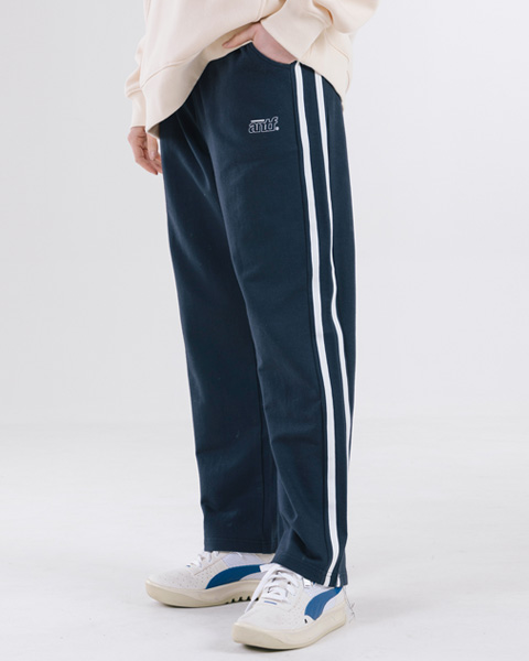 RELAX FIT TRACK PANTS (NAVY)
