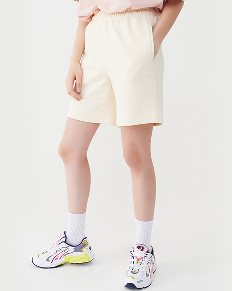 COMFY SWEAT SHORTS (CREAM)